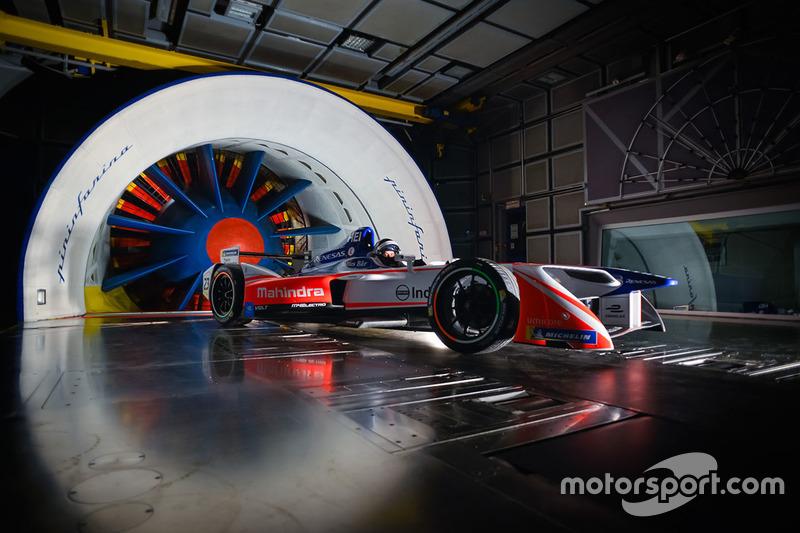 La Mahindra de Formule E dans la soufflerie Pininfarina