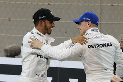 Lewis Hamilton, Mercedes AMG F1, Valtteri Bottas, Mercedes AMG F1, after qualifying