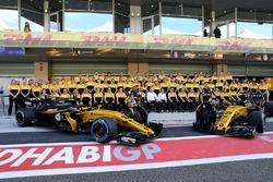 Carlos Sainz Jr., Renault Sport F1 Team ve Nico Hulkenberg, Renault Sport F1 Team, Renault takım resminde