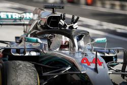 El ganador de la carrera Lewis Hamilton, Mercedes-AMG F1 celebra en el parc ferme