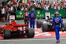 Kevin Magnussen, Haas F1, Brendon Hartley, Scuderia Toro Rosso and Pierre Gasly, Scuderia Toro Rosso, parc ferme