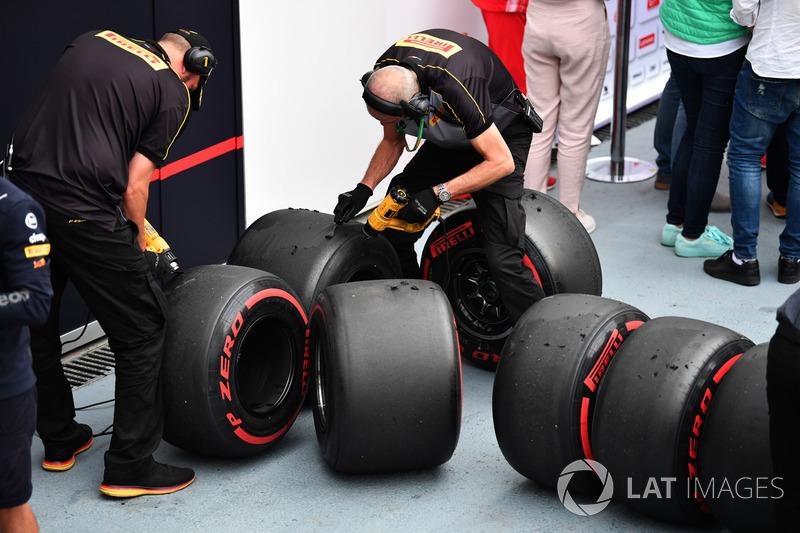 Ingenieros de Pirelli y neumáticos