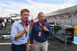 Simon Rennie, Red Bull Racing Race Engineer and Martin Brundle, Sky TV on the grid