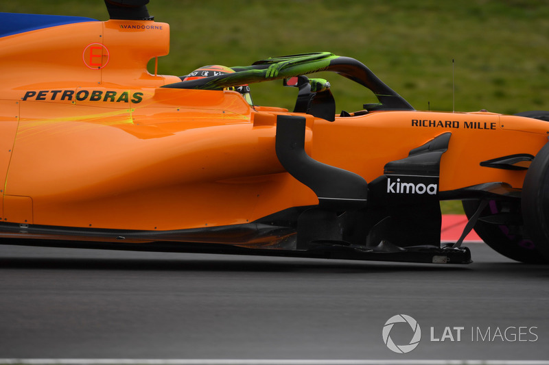 Stoffel Vandoorne, McLaren MCL33 con parafina en el Halo