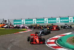 Départ : Sebastian Vettel, Ferrari SF71H mène