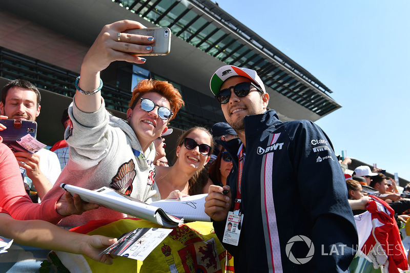 Sergio Perez, Force India fans selfie