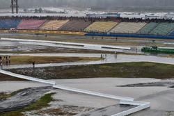 Une pluie torrentielle après la course
