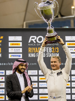 Yarış galibi David Coulthard