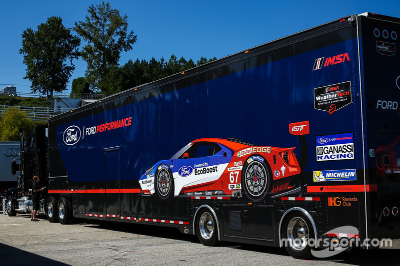 Renntransporter: Ford Racing