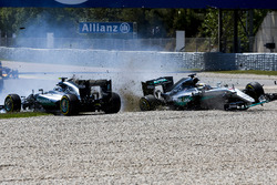 Lewis Hamilton, Mercedes AMG F1 W07 Hybrid and Nico Rosberg, Mercedes AMG F1 W07 Hybrid collide on the opening lap of the race
