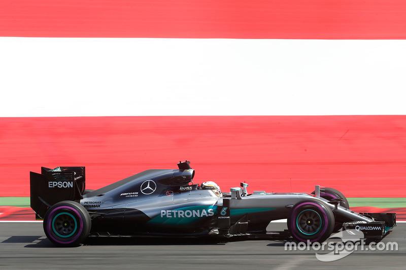 14º Lewis Hamilton, Mercedes F1 W07 Hybrid, Spielberg 2016. Tiempo: 1:06.228 *
