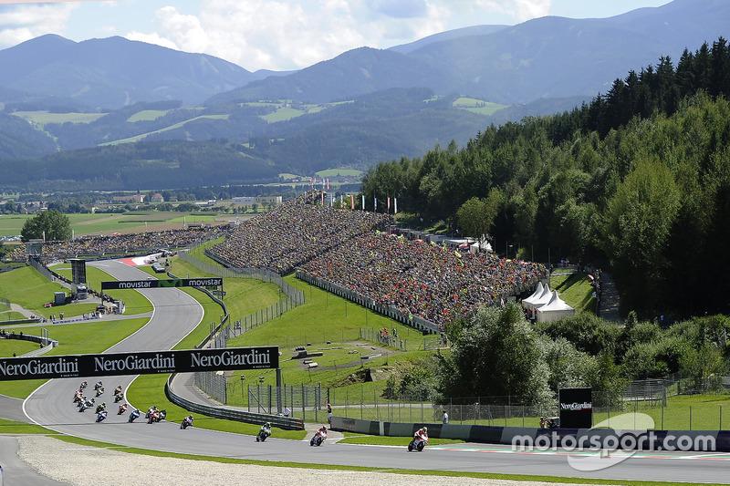 Partenza: Andrea Iannone, Ducati Team al comando