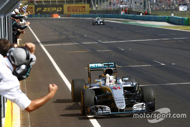 Ganador, Lewis Hamilton, Mercedes AMG F1 W07 Hybrid
