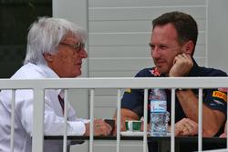 (Зліва направо): Берні Екклстоун, Крістіан Хорнер, голова Red Bull Racing Team