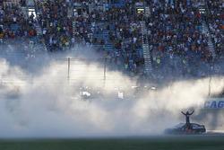 Le gagnant, Martin Truex Jr., Furniture Row Racing Toyota