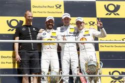 Podium: Sieger Paul Di Resta, Mercedes-AMG Team HWA, Mercedes-AMG C63 DTM, mit Timo Glock, BMW Team