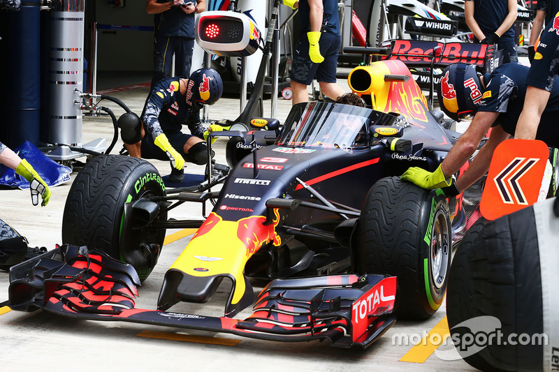 Red Bull Racing RB12 met het Aeroscreen