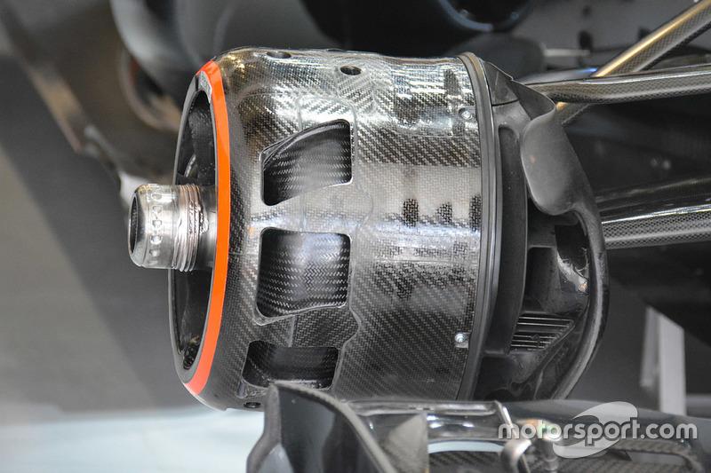 Angeblasene Vorderachse des McLaren MP4-31