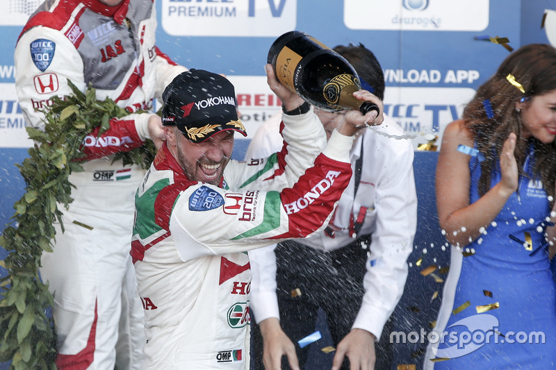 Podyum: Tiago Monteiro, Honda Racing Team JAS, Honda Civic WTCC