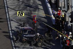 Christopher Bell, Joe Gibbs Racing Toyota, pit stop
