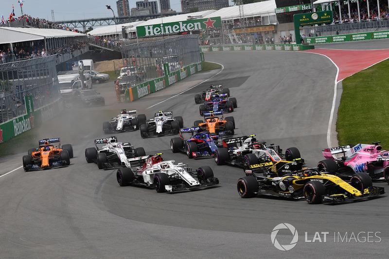 Charles Leclerc, Sauber C37 al inicio de la carrera