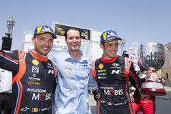 Подіум: Тьєррі Ньовілль, Ніколя Жильсуль, Hyundai Motorsport Hyundai i20 Coupe WRC