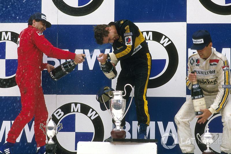 Le vainqueur Ayrton Senna, Lotus, le second Michele Alboreto, Ferrari, le troisème Patrick Tambay, Renault