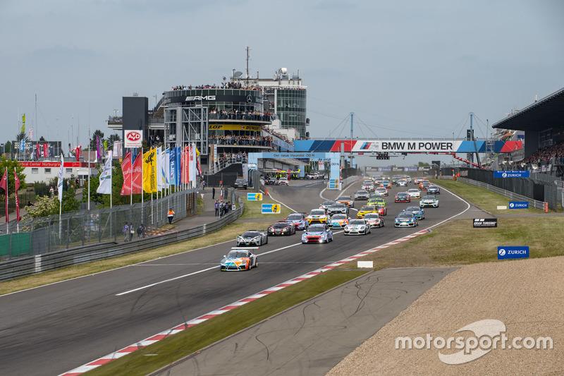 Томас фон Ловис он Менар, Даниэль Шелльхас, Аксель Дафнер, Care For Climate, Porsche 911 GT3 Cup (№320)