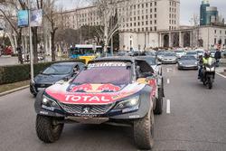 Carlos Sainz, Lucas Cruz, Peugeot Sport in the streets of Madrid