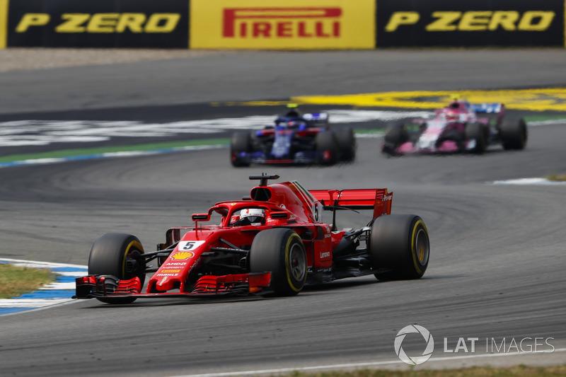 Vettel semakin kesal di belakang Raikkonen