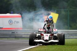 Jenson Button, Honda RA106 stopt op het circuit