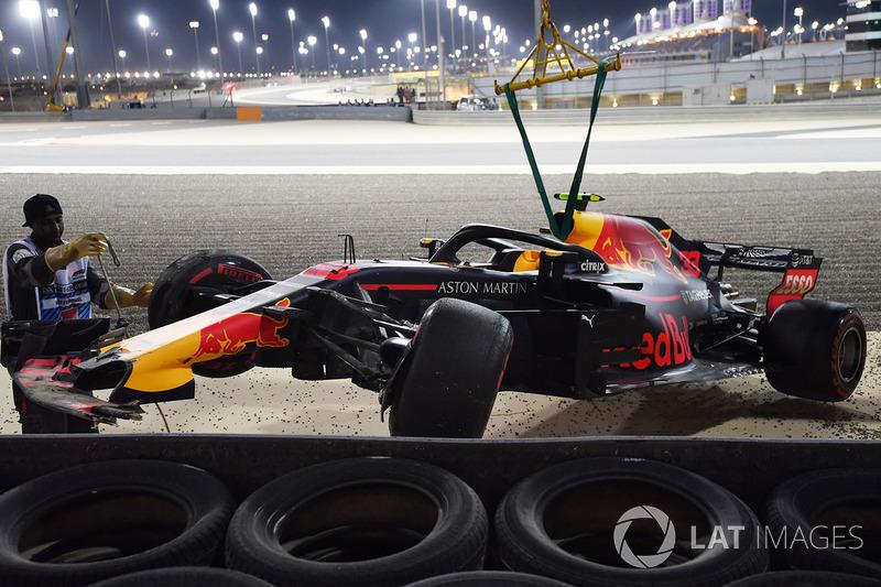 Розбитий Red Bull Racing RB14 Макса Ферстаппена