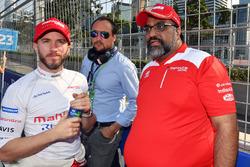 Dilbagh Singh, Nick Heidfeld, Mahindra Racing, in griglia