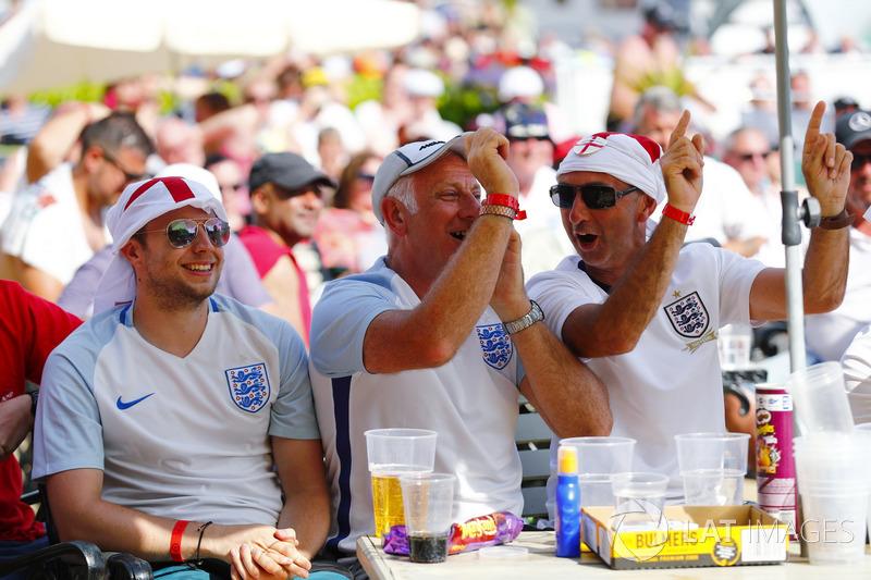 England fans