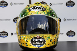 The helmet of Carlos Sainz Jr., Renault Sport F1 Team, designed by Shock Maravillha