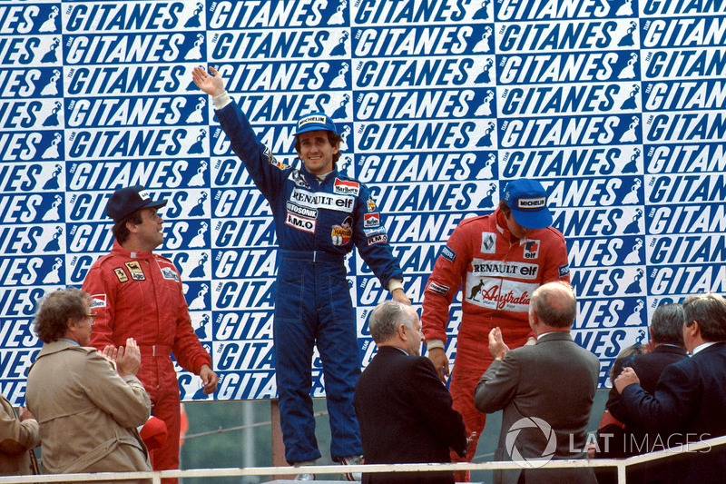 Podyum: Yarış galibi Alain Prost, Renault, 2. Patrick Tambay, Ferrari, 3. Eddie Cheever, Renault