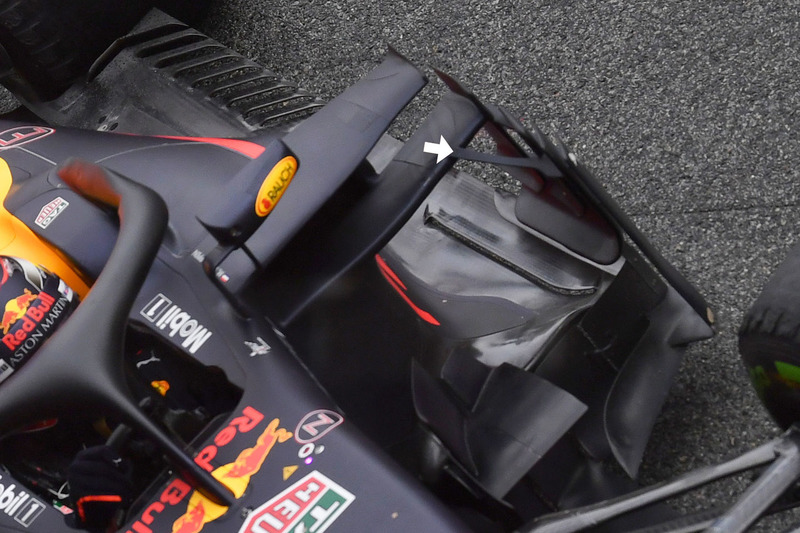 Red Bull Racing RB14, supporto del deflettore