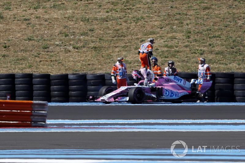 Sergio Perez, Force India VJM11 pierde una rueda en los libres 2