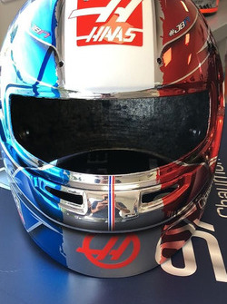 Special French GP helmet for Romain Grosjean