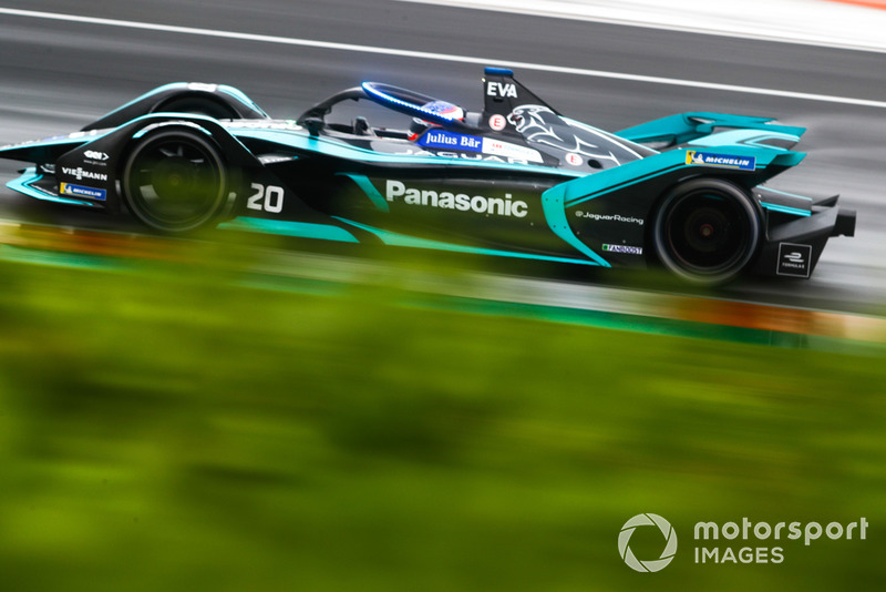 Mitch Evans, Panasonic Jaguar Racing, Jaguar I-Type 3 with the new hyper boost LED lights on the halo