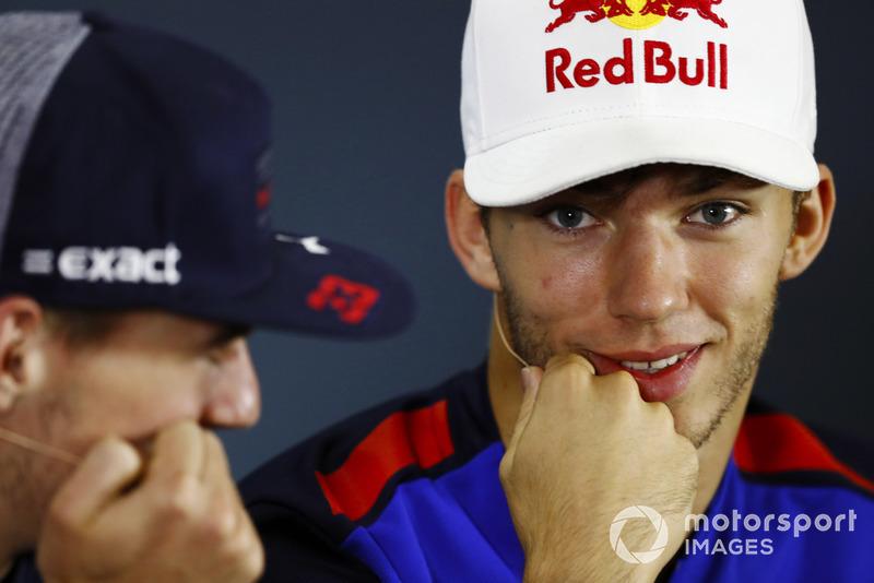 Pierre Gasly, Toro Rosso, et Max Verstappen, Red Bull Racing.