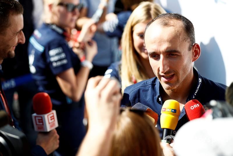 Robert Kubica, Williams Racing, parla con la stampa
