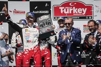 Racewinnaar Ott Tänak, Toyota Gazoo Racing, Recep Tayyip Erdoğan, president Turkije