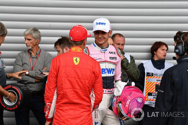 Sebastian Vettel, Ferrari ed Esteban Ocon, Racing Point Force India F1 Team, nel parco chiuso