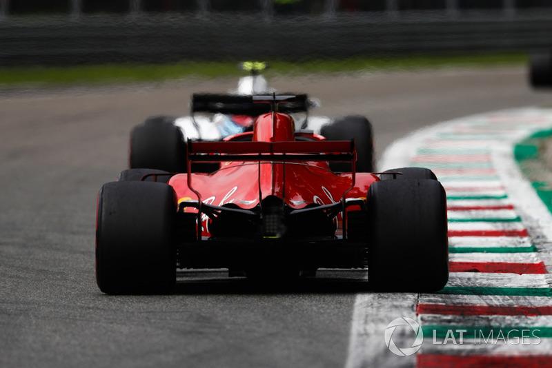 Sergey Sirotkin, Williams FW41, Sebastian Vettel, Ferrari SF71H