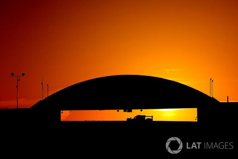 1. Sonnenaufgang in Le Mans