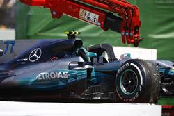 Bergung des Autos von Valtteri Bottas, Mercedes AMG F1 W08
