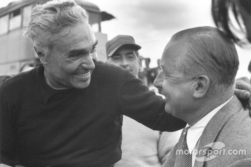 Piero Taruffi discute avec Tony Vandervell