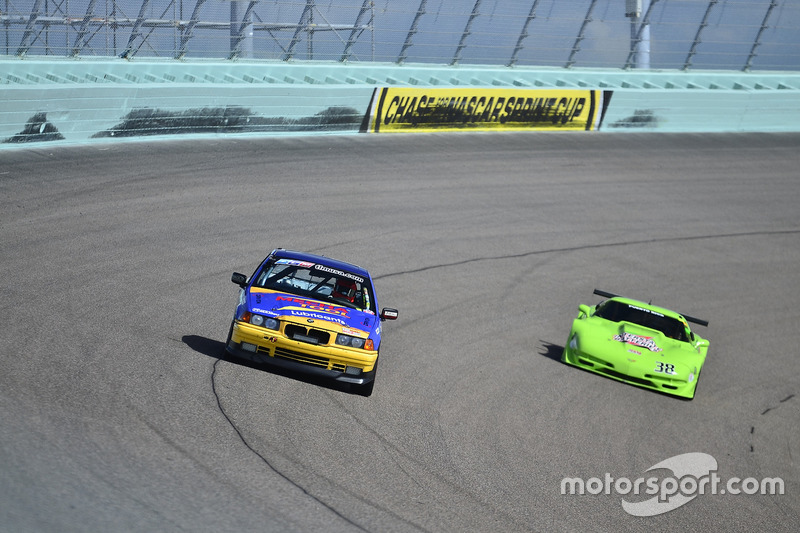 #810 MP3B BMW 325 driven by Pedro Rodriguez & Alberto De Las Casas of TML USA, #38 MP1A Chevrolet Co