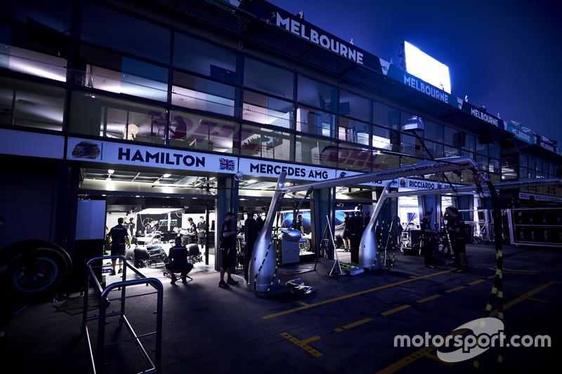 Mercedes-Box